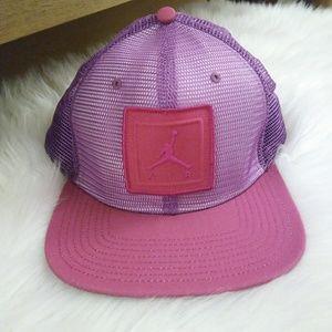 NIKE AIR Jumpman Mesh Snap Back Hat.